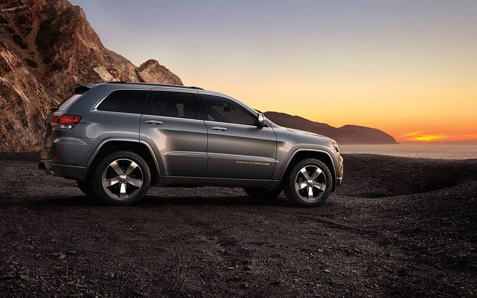 2015 jeep grand cherokee photo and video gallery. Black Bedroom Furniture Sets. Home Design Ideas