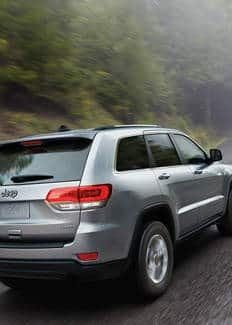 Vista trasera del Jeep Grand Cherokee 2016