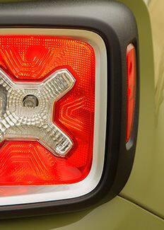 Jeep Renegade 2016 con luces traseras (miniatura)