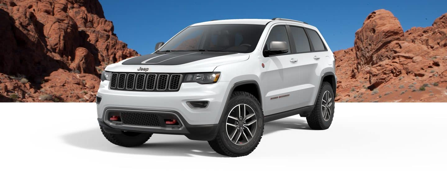 2018 Jeep Grand Cherokee Trail Rated Off Road Capable Suv 2011 Leveling Kit The Trailhawk Delivers Dominance With A Quadra Lift Air Suspension Selec Speed Control Hill Ascent And