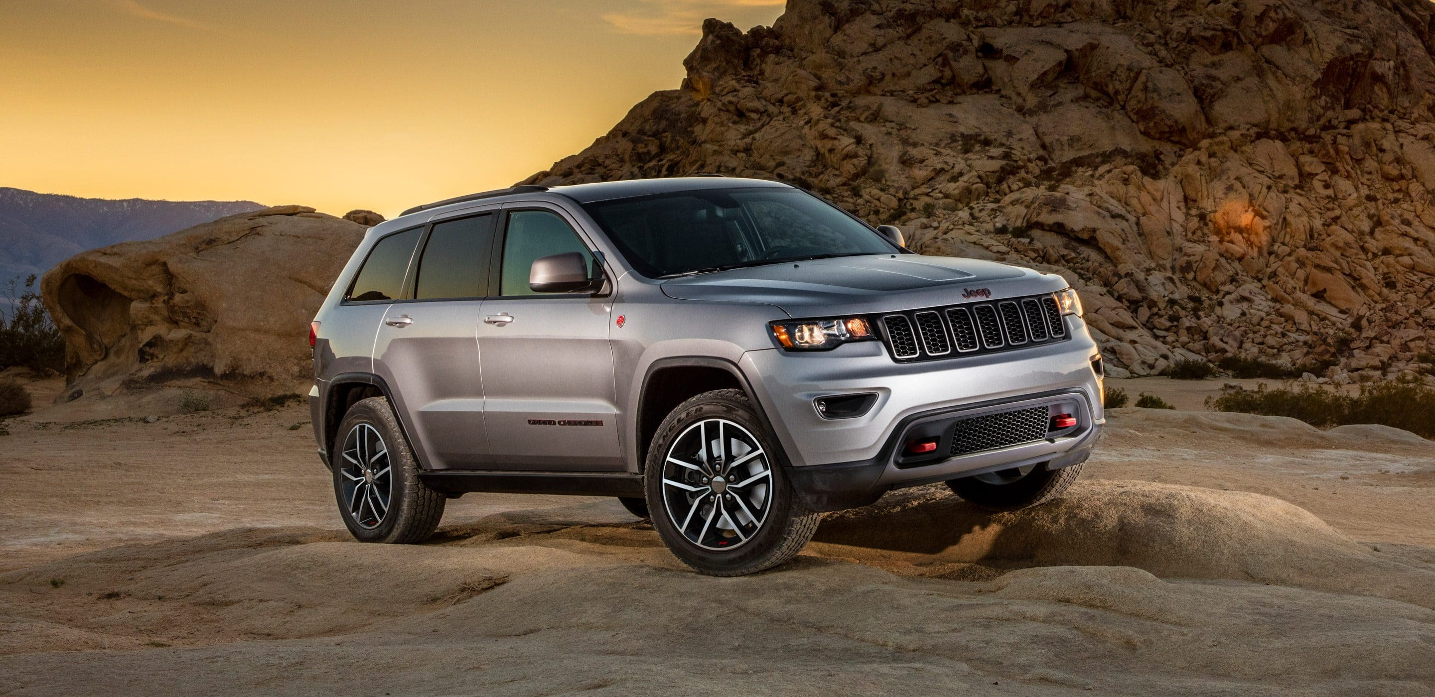 new 2018 jeep grand cherokee for sale near long island ny port jefferson ny lease or buy a. Black Bedroom Furniture Sets. Home Design Ideas
