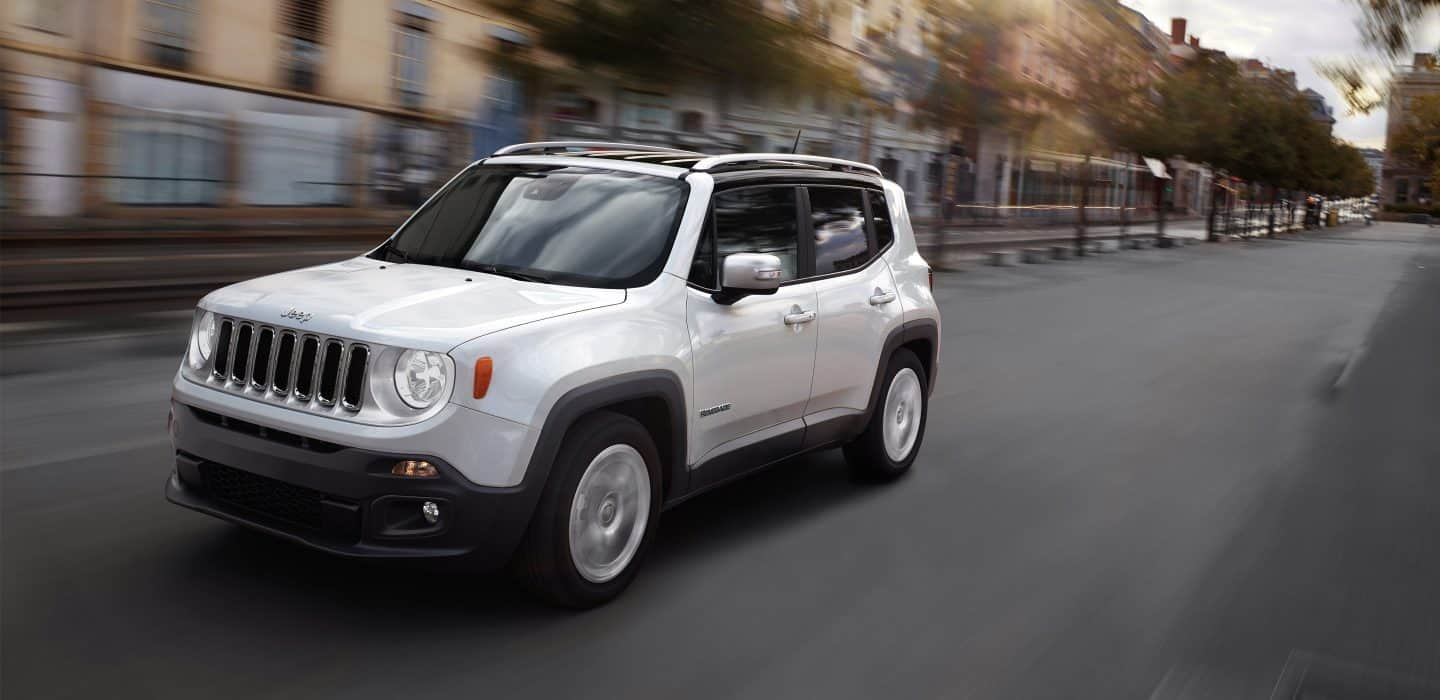 2018-Jeep-Renegade-Gallery-Exterior-Limited-White-Driving