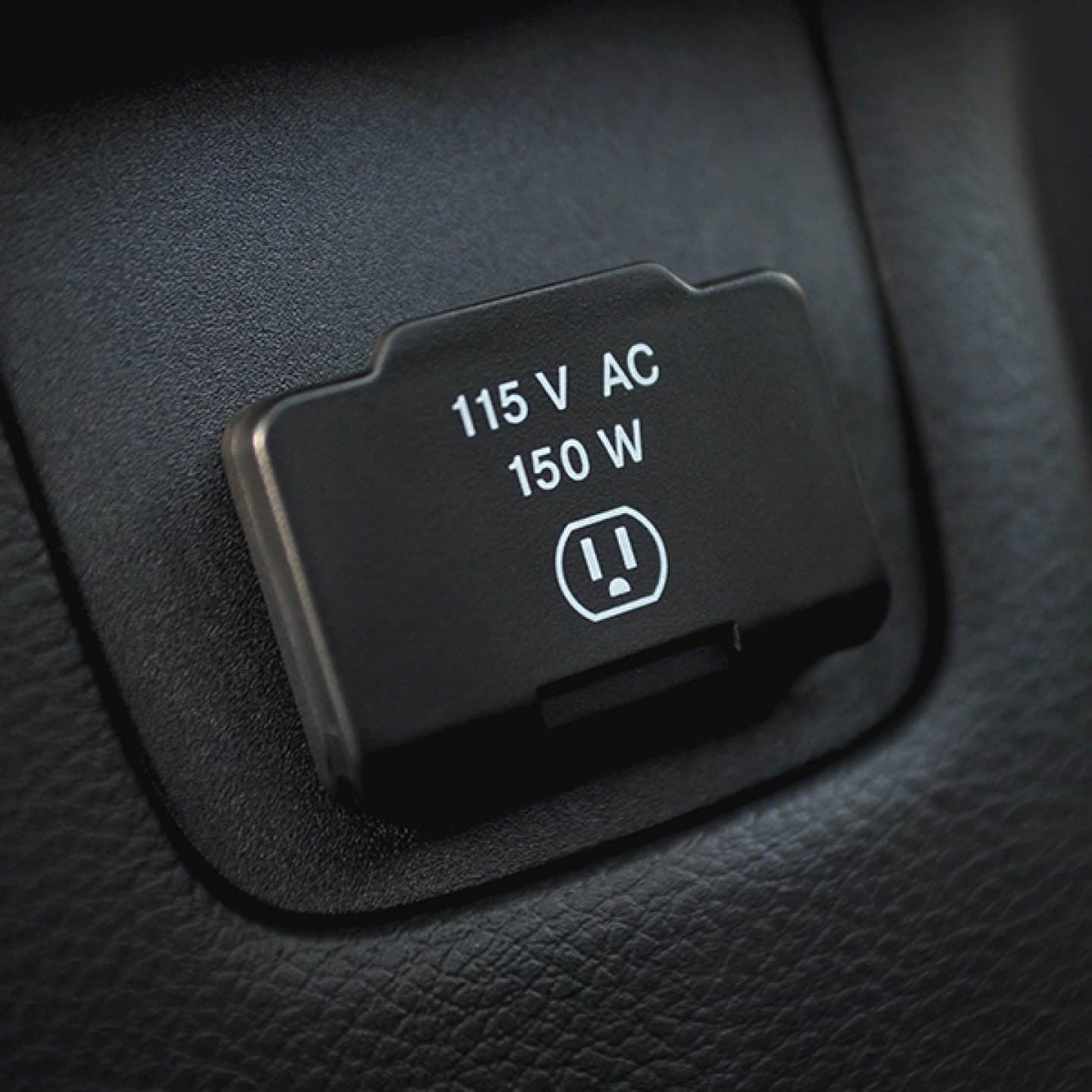 2018 Jeep Wrangler JK 115 Volt Power Outlet