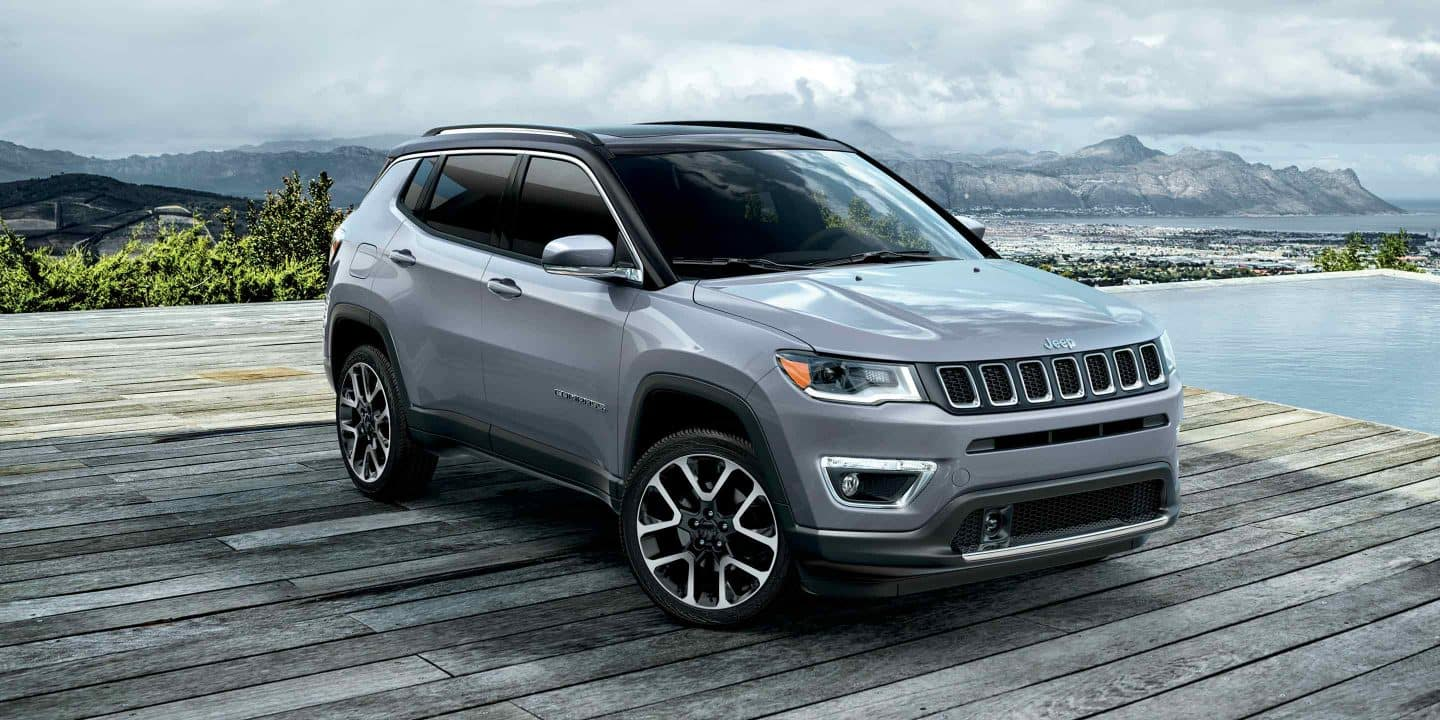 2019-Jeep-Compass-Gallery-Exterior-Laltitude-Grey-Front-Dock