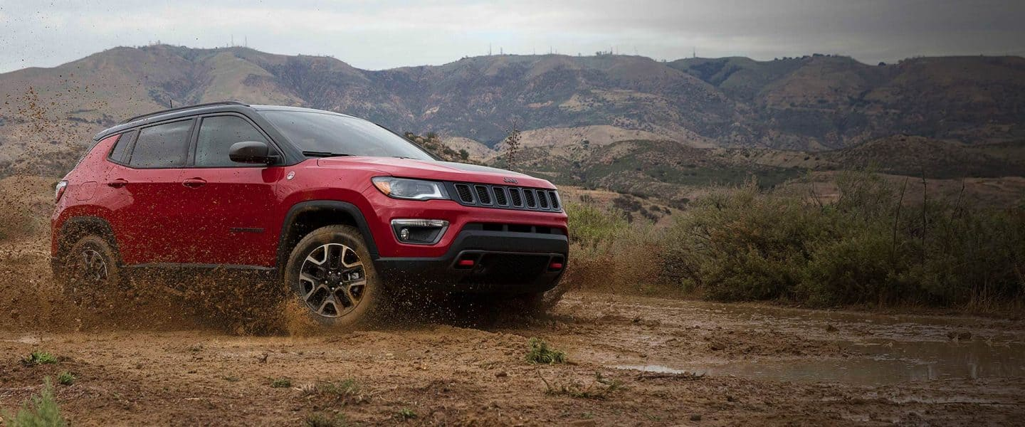 2019 Jeep Comp Overview Hero Trailhawk