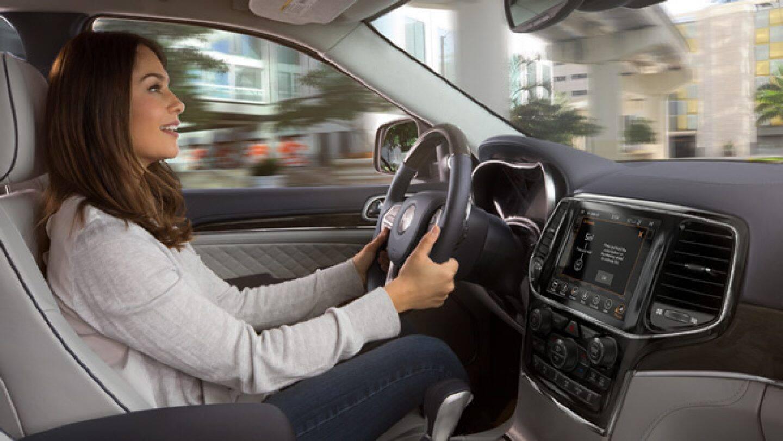2019 Jeep Grand Cherokee Premium Interior Features