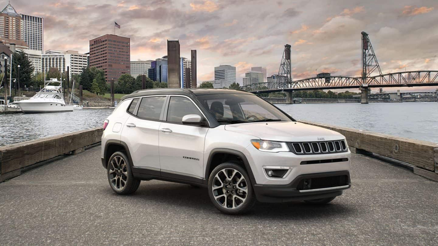 2019 North Interior Jeep Compass 2020