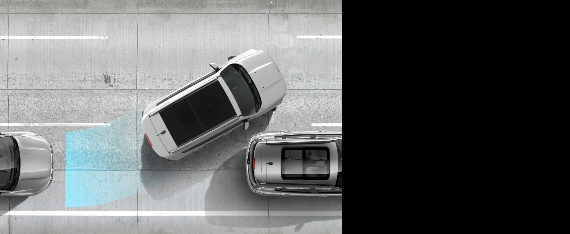 Illustration of sensors emanating from the rear of 2020 Jeep Renegade as it reverses out of a parking spot just as another vehicle appears to pass behind it.